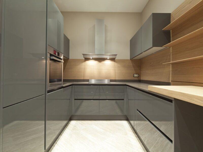 Tủ bếp gỗ công nghiệp phủ Acrylic bóng gương