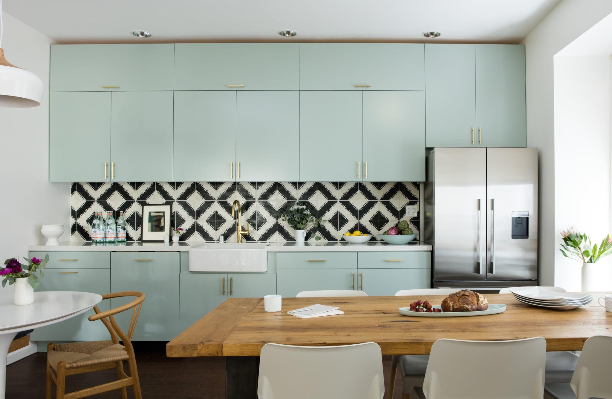 Tủ bếp gỗ công nghiệp màu xanh mint