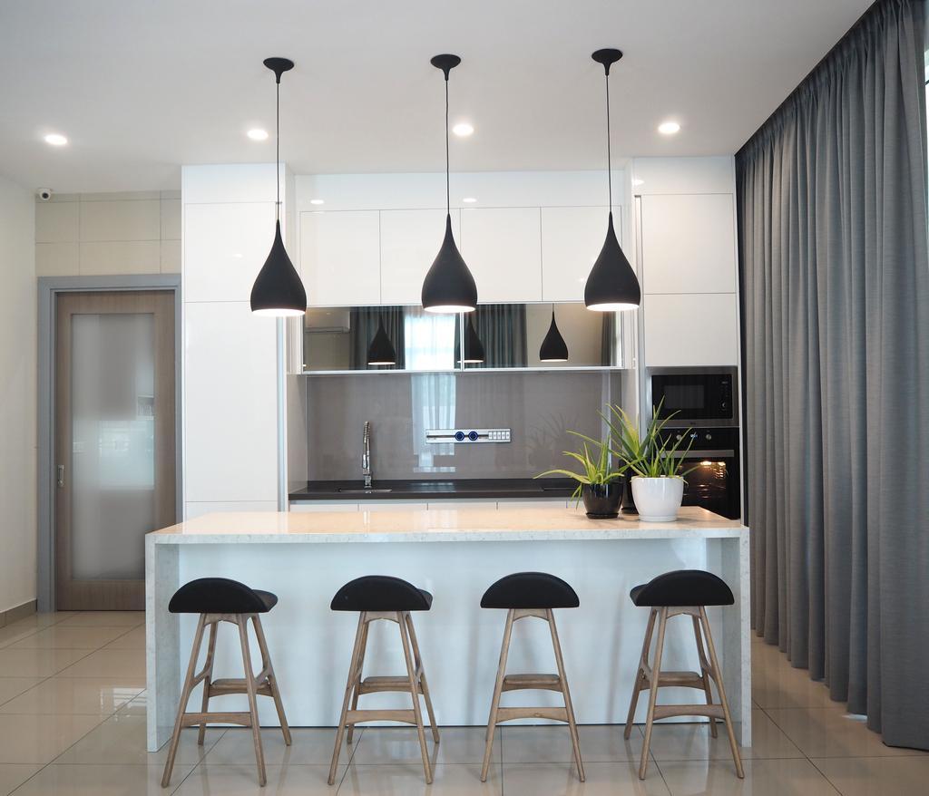 Mẫu tủ bếp có bàn đảo dành cho nhà nhỏ
