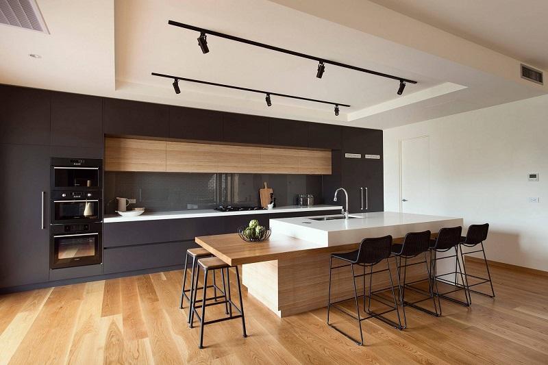 Bảo quản tủ bếp bằng gỗ tự nhiên
