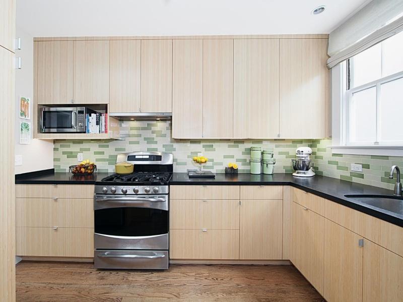 Tủ bếp Melamine vân sồi trắng