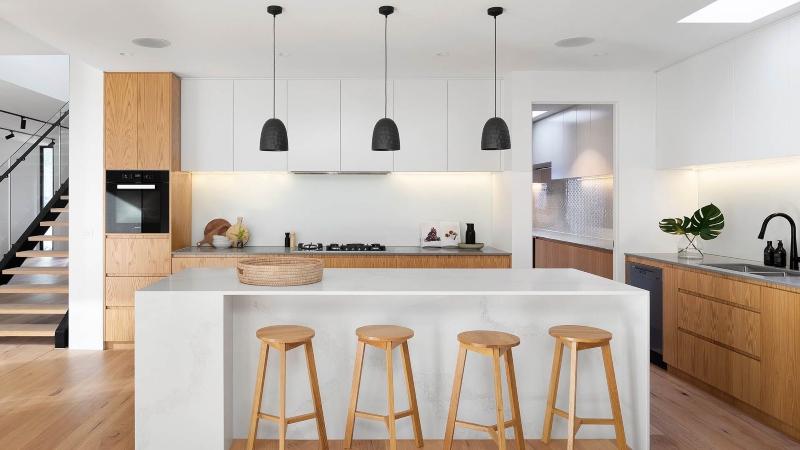 Tủ bếp phong cách Japandi tông màu be-trắng